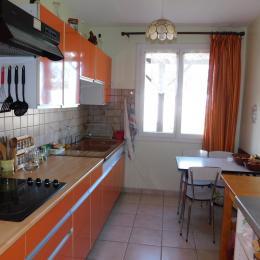 Gîte indépendant en Ardèche méridionale - Entrée - Location de vacances - Villeneuve-de-Berg