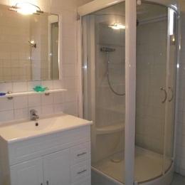 Salle de bain - Location de vacances - Coucouron