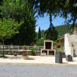 Exterieur - Location de vacances - Pont-de-Labeaume