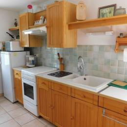 maison le plagnal 07590 cuisine - Location de vacances - Le Plagnal