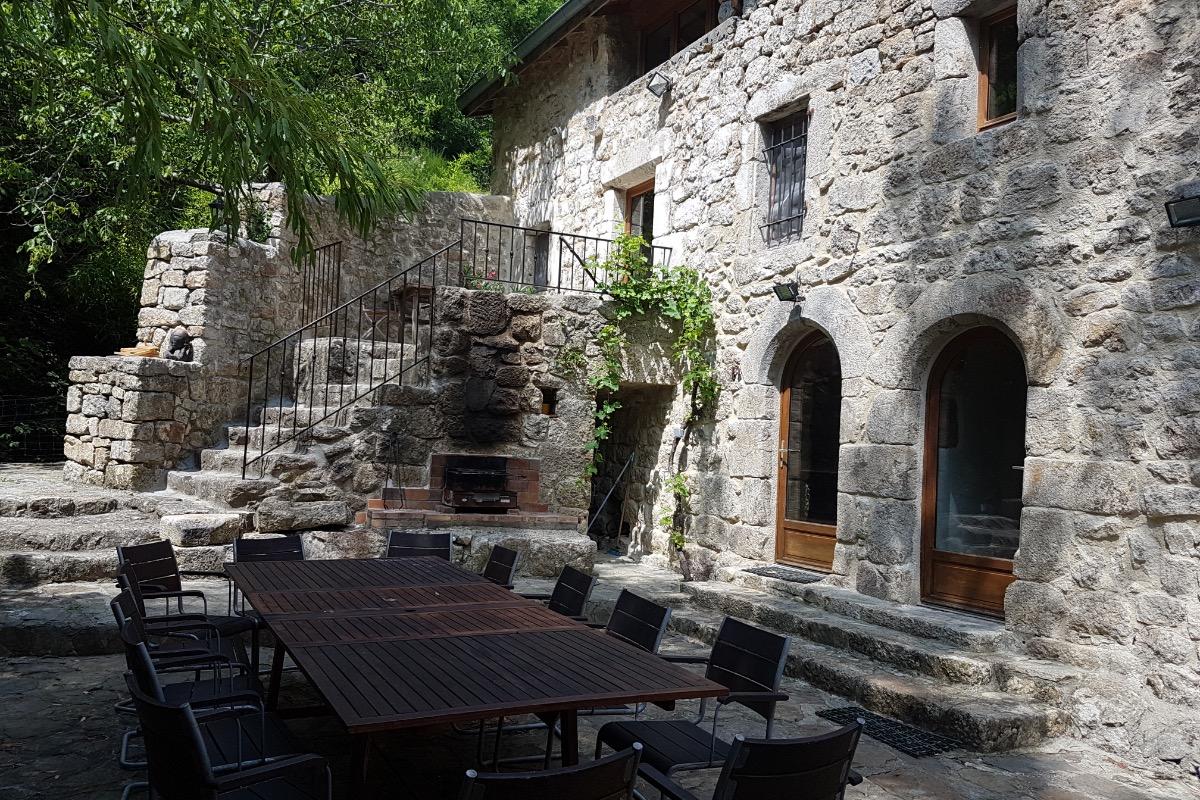 terrasse principal - Location de vacances - Montpezat-sous-Bauzon