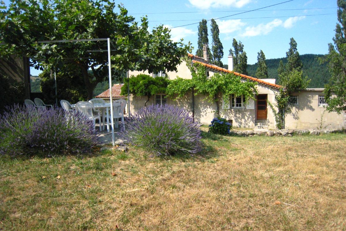 Vue du gîte - Location de vacances - Saint-Michel-de-Chabrillanoux