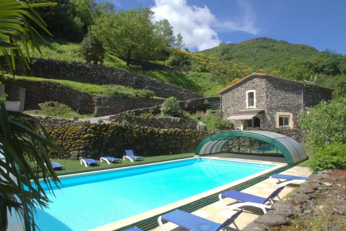La maison d'hôtes et la piscine - Location de vacances - Rochessauve