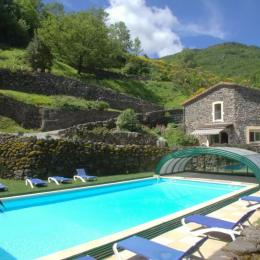 Maison d'hôtes vue de la piscine  - Location de vacances - Rochessauve