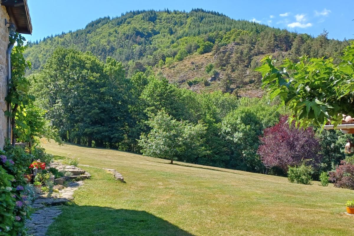 jardin de poésie privé - Location de vacances - Désaignes