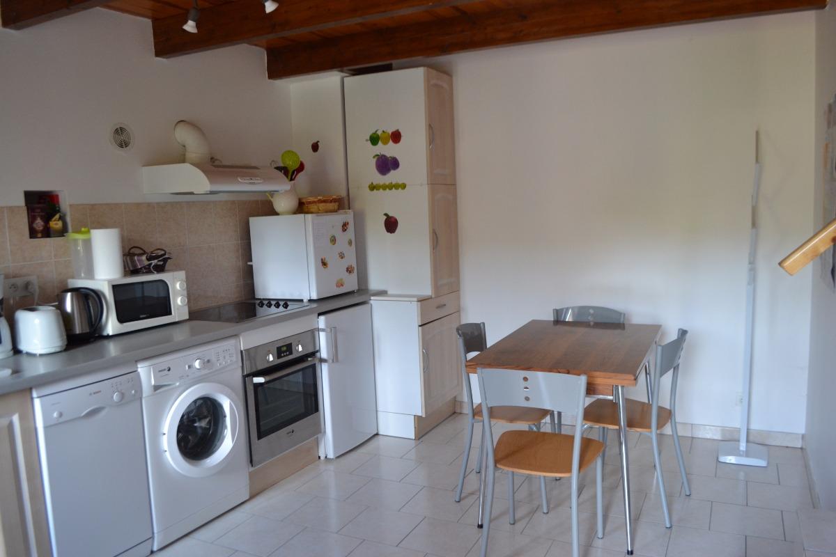 cuisine,également:coin repas. - Location de vacances - Saint-Barthélemy-Grozon