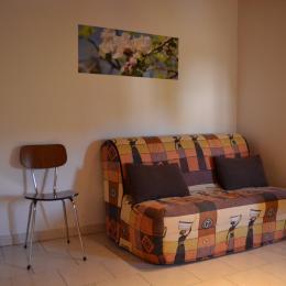 partie du salon - Location de vacances - Saint-Barthélemy-Grozon