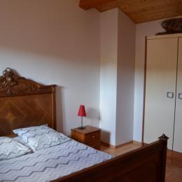 chambre pour 2 personnes - Location de vacances - Saint-Barthélemy-Grozon
