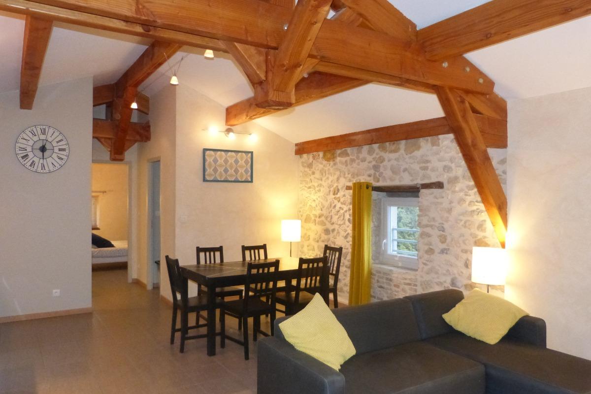 le charme des pierres et du bois. - Location de vacances - Vallon-Pont-d'Arc