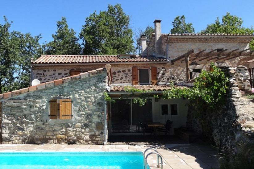 Bienvenue en Ardèche ! Le Vallon des Etoiles: gites avec piscine privé et Espace Détente - Location de vacances - Lussas