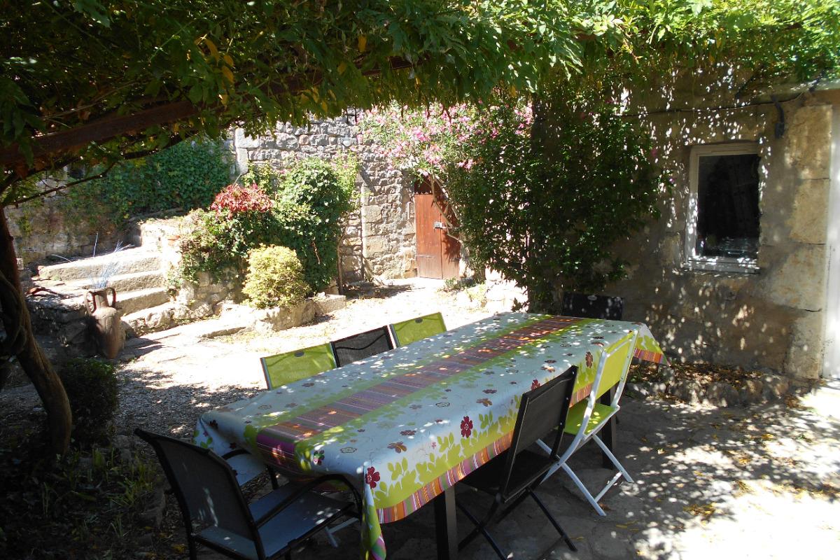 chambre 2 - Location de vacances - Berrias-et-Casteljau