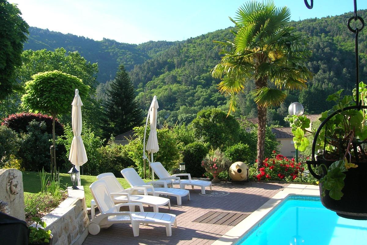 Vue sur les Collines - Location de vacances - Les Ollières-sur-Eyrieux
