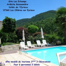Piscine privée,  ouverture latérale, nage à contre courant - Location de vacances - Les Ollières-sur-Eyrieux