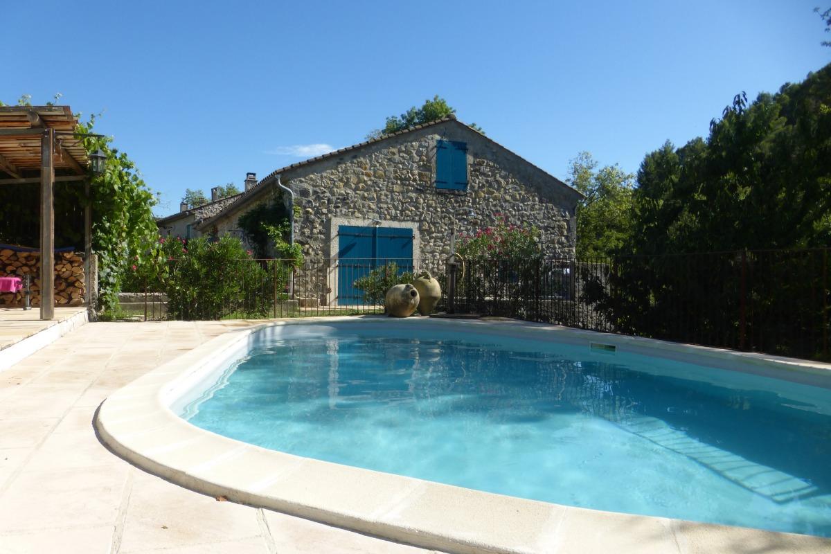 piscine chauffée à disposition - Chambre d'hôtes - Alba-la-Romaine