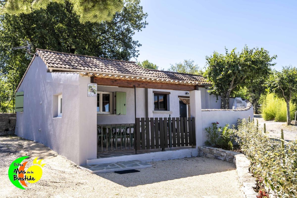 Figuier - Gîte avec terrasse couverte et piscines communes en ...