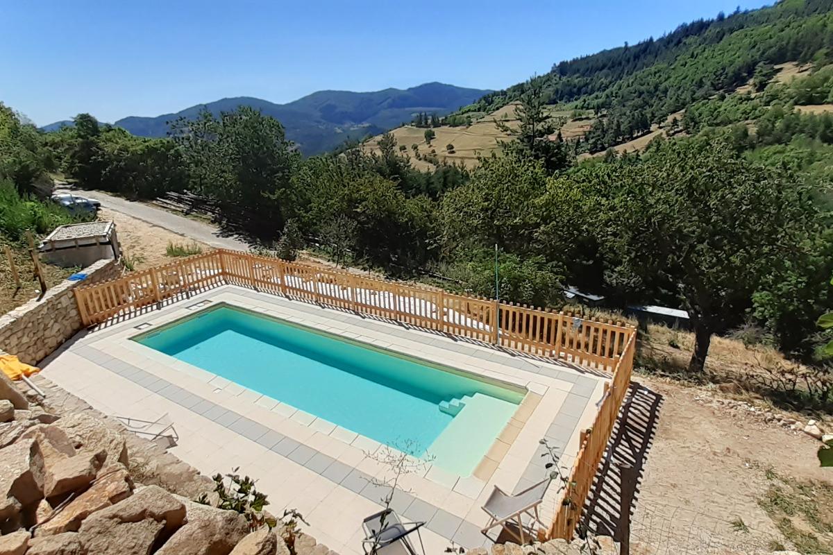 piscine familiale - Location de vacances - Pailharès