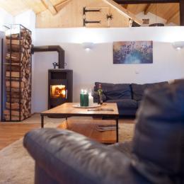 Vue n° 2 de la salle de séjour + coin salon - Location de vacances - Vitrey-sur-Mance