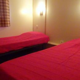 Les Chalets du Pontot - Le sarcelle - chambre 2 lits simples - Location de vacances - Le Fay