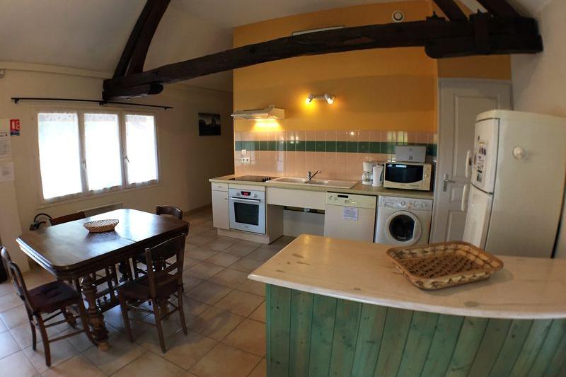 Le grand séjour avec cuisine intégrée - Location de vacances - Flacey-en-Bresse