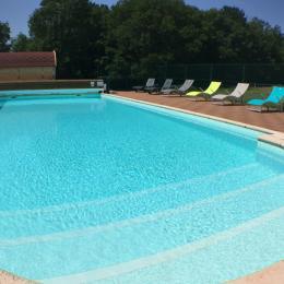 La piscine - Location de vacances - Flacey-en-Bresse