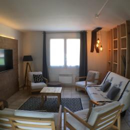 Le salon moderne - Location de vacances - Flacey-en-Bresse