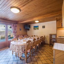 Appartement le Lys Martagon - Albiez le Jeune Savoie - Proche station de ski Albiez Montrond  - Entrée et pièce de vie  - Location de vacances - Albiez-le-Jeune