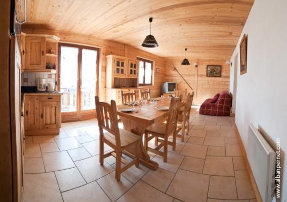 location Le Génépi - station de ski Albiez Montrond en Savoie - pièce de vie  - Location de vacances - Albiez-Montrond