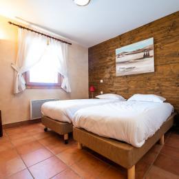 une des 4 chambres - Location de vacances - Saint-François-Longchamp