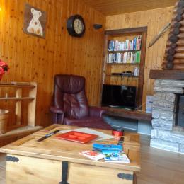 Salon avec accès sur terrasse sud - Location de vacances - Notre-Dame-de-Bellecombe