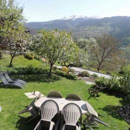 Le jardin de la maison d'hôtes A la Bouge'Hôtes - Chambre d'hôtes - Plagne Tarentaise