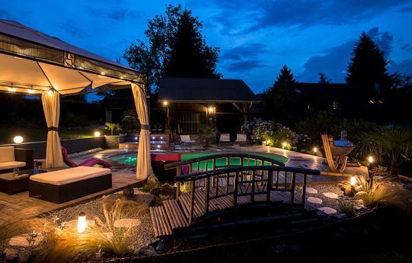 piscine by night - Chambre d'hôtes - Lépin-le-Lac