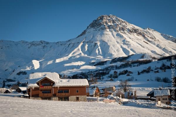 OURS 6 Appartement chaleureux avec piscine dans station de ski familiale en Savoie - Location de vacances - Albiez-Montrond