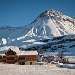 OURS 7 Appartement cosy dans chalet avec piscine à Albiez Montrond - Savoie - Location de vacances - Albiez-Montrond