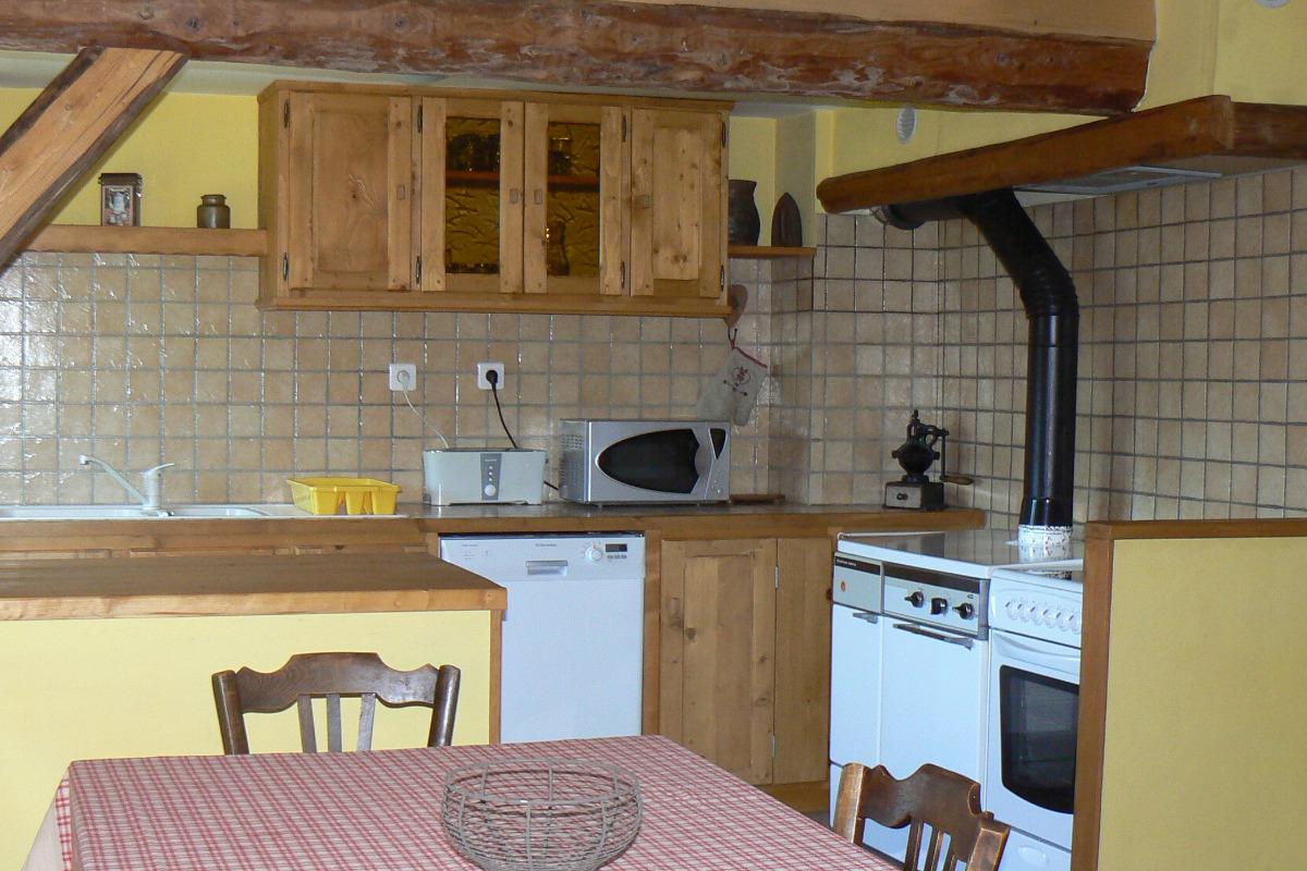 Location maison dans les Bauges - cuisinière bois - Location de vacances - Arith