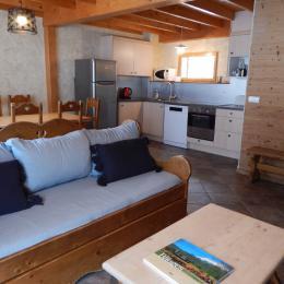 chambre 2 personnes à l'étage - Location de vacances - La Compôte