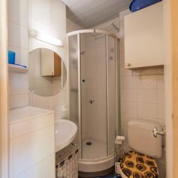 Studio Les Aiguilles n°507 - salle de bain et WC - Location de vacances - La Toussuire