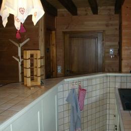 Chalet Le Ramoneur -Saint Alban des Villards - Savoie- espace cuisine - Location de vacances - Saint-Alban-des-Villards