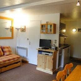 Location appartement Les Menuires - pièce de vie - Location de vacances - Les Menuires