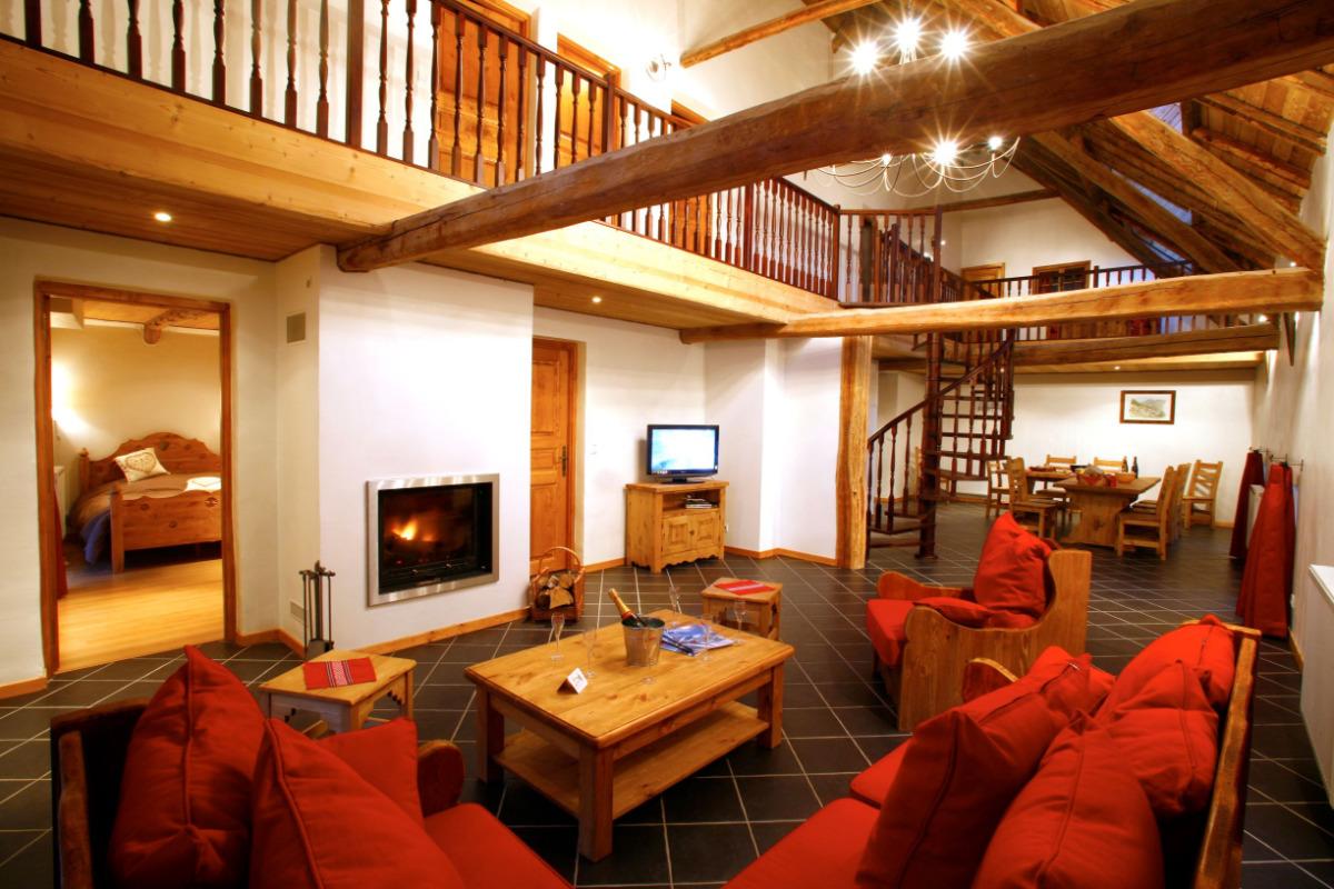 Séjour avec cheminée - Location de vacances - Valloire