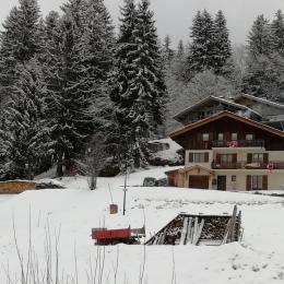 Chalet l'Aurore à Crest-Voland en hiver sous la neige - Location de vacances - Crest-Voland