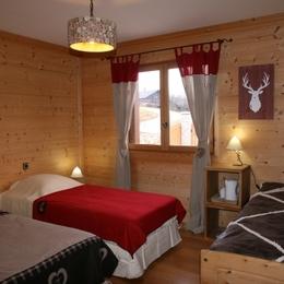 lesmarmhotes.com - Les Marm'hôtes - Chambre d'hôtes en Savoie près de la Plagne - Chambre Chamois pour 2-3 personnes - Chambre d'hôtes - La Côte-d'Aime