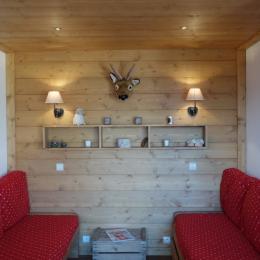 coin salon avec 2 canapés-lits dont 1 gigogne - Location de vacances - Valmorel
