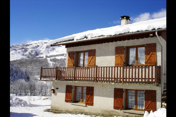 Chalet Le Pao - Saint Sorlin d'Arves - vue hivernale  - Location de vacances - Saint-Sorlin-d'Arves