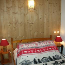 Chalet Le Pao - Saint Sorlin d'Arves chambre avec lit double  - Location de vacances - Saint-Sorlin-d'Arves