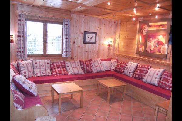 Chalet Le Loup Blanc - Station La Toussuire en Savoie - Salon  - Location de vacances - La Toussuire