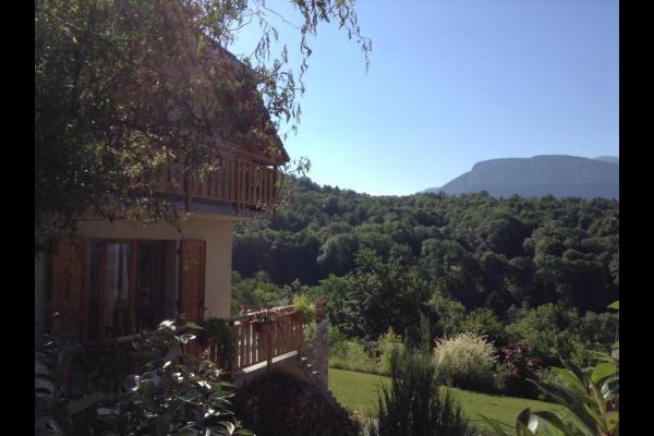 Chambres d'hôtes en Chartreuse, entre lac et montagne - Chambre d'hôtes - Saint-Pierre-de-Genebroz