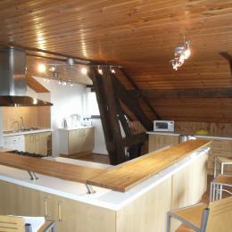 Appartement Les Mansardes - chalet Beauséjour à SAint Sorlin d'Arves - cuisine - salle à manger - Location de vacances - Saint-Sorlin-d'Arves
