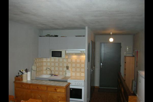 Appartement Le Belvédère n°15 - Saint Sorlin d'Arves - Savoie - Espace cuisine - Location de vacances - Saint-Sorlin-d'Arves