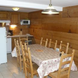 Séjour - cuisine Chalet MILLIAT - Appartement Chamois - Saint Sorlin d'Arves - SAVOIE - Location de vacances - Saint-Sorlin-d'Arves
