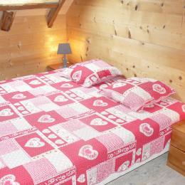 Chambre double - Chalet Milliat - Appartement Marmotte - station de ski Saint Sorlin d'Arves - Savoie - Location de vacances - Saint-Sorlin-d'Arves